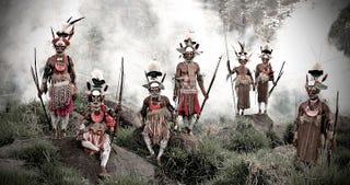La vida de las tribus más aisladas del planeta, en imágenes
