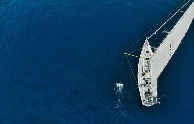 The Sailors Who Hunt Garbage for Science