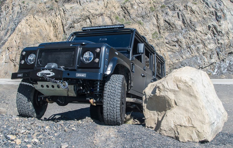 I Was Not Prepared For The Brutality Of A Corvette-Powered Land Rover Defender