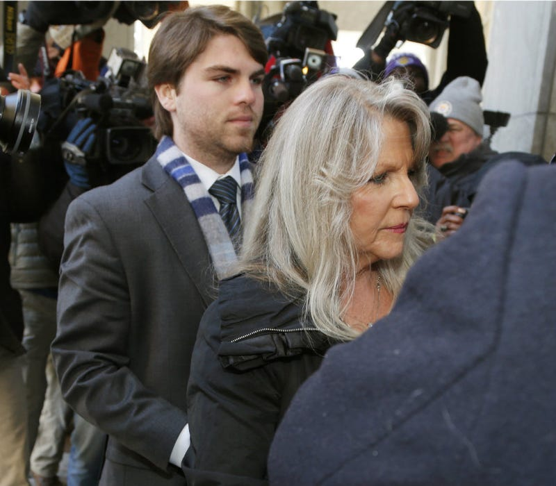 Illustration for article titled Ex-Va. First Lady Maureen McDonnell Gets One Year in Jail for Bribery