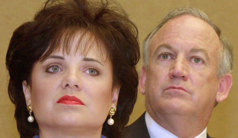 Patsy and John Ramsey. Image via AP.