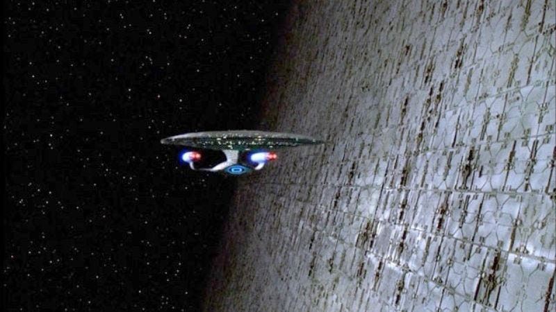 """The Enterprise encounters a Dyson sphere in the Star Trek: The Next Generation episode """"Relics"""""""