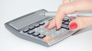 """Illustration for article titled Calculate Your """"Safe Withdrawal Rate"""" to See How Far You Are From Retirement"""
