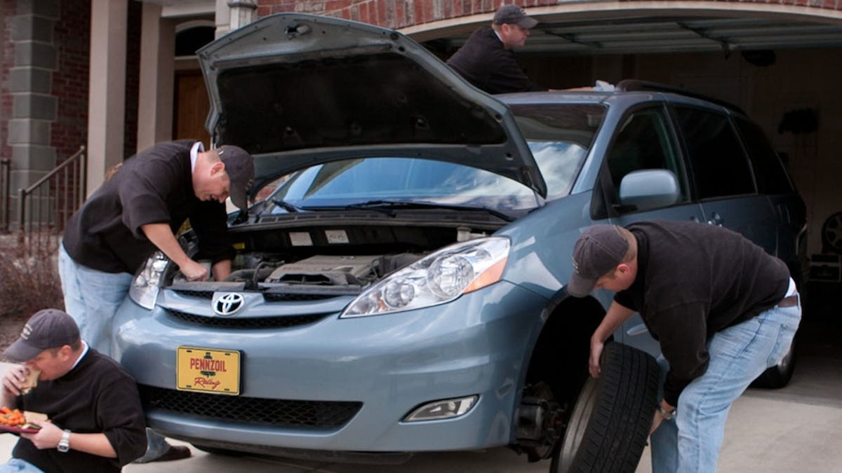 Toyota Sienna Service Manual: Noise Occurs from Generator while Engine is Running