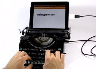 Illustration for article titled The USB Typewriter Makes Typing On iPad Even Slower