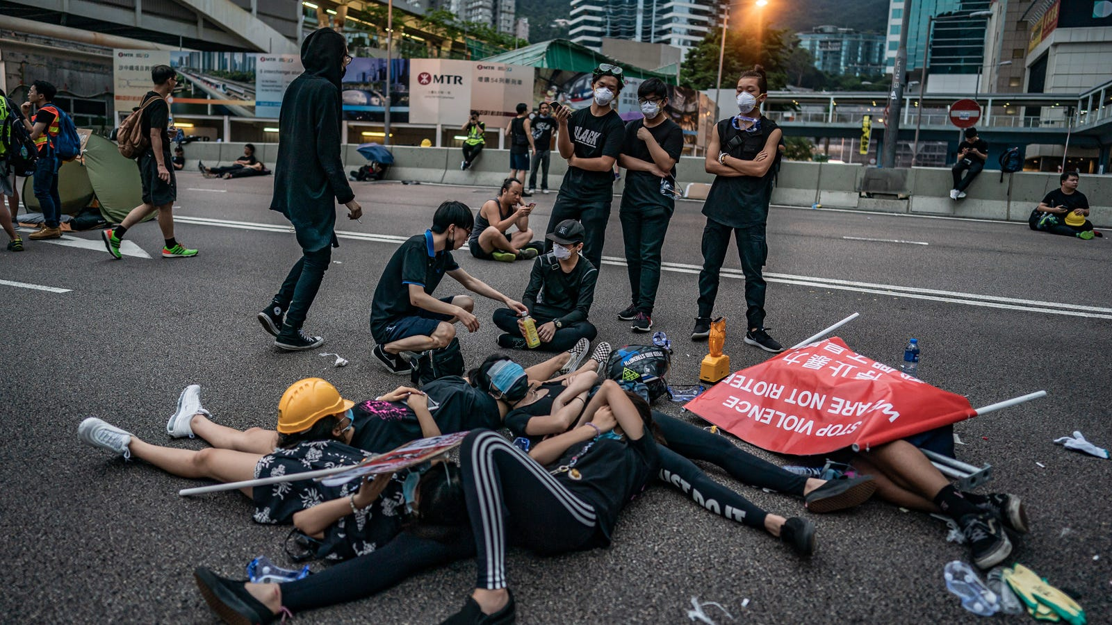 Hong Kong Hospitals Accused of Leaking Protestors' Patient Data to Cops