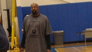 Illustration for article titled Mike Woodson's Shirt Is The Best Shirt