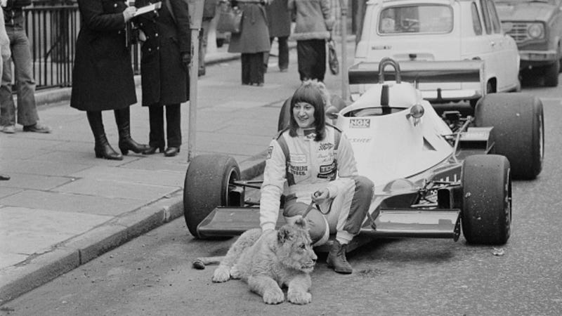 Illustration for article titled Desiré Wilson Proved She Was the Most Successful Woman in Racing by Winning in a Formula One Car