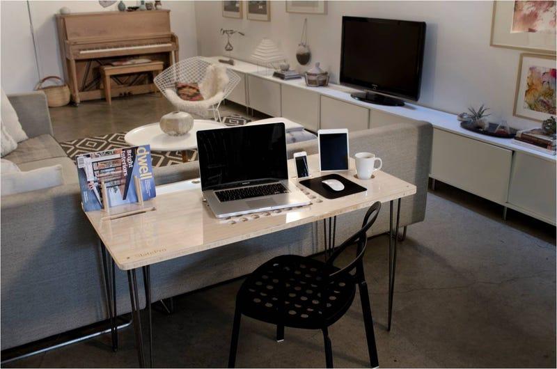 Illustration for article titled La mesa de trabajo que todo geek desearía tener