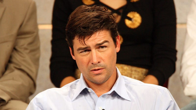 Illustration for article titled Kyle Chandler Is Headed to The Vatican, Will Not Be Replacing the Pope