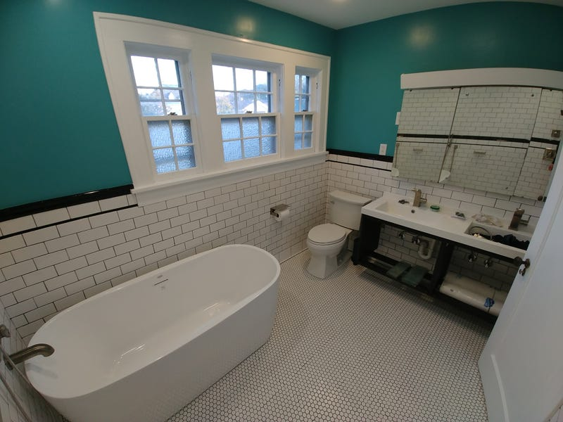 Illustration for article titled And with that the bathroom remodel is (almost) done