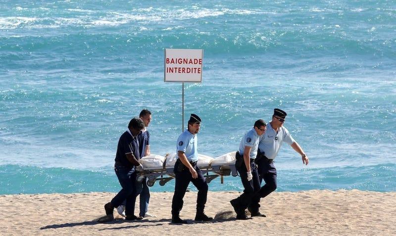 Illustration for article titled Shark Kills French Surfer On Island Honeymoon