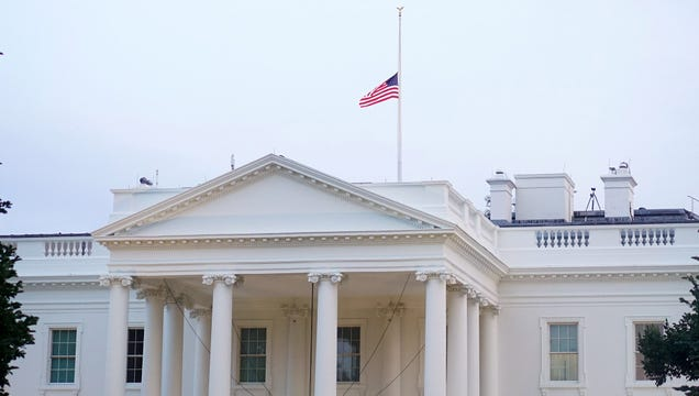 White House Flag Now Moving Minute To Minute To Indicate Trump's Mood