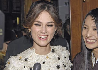 Illustration for article titled Does Keira Knightley Pout Because Smiling Makes Her Squint?