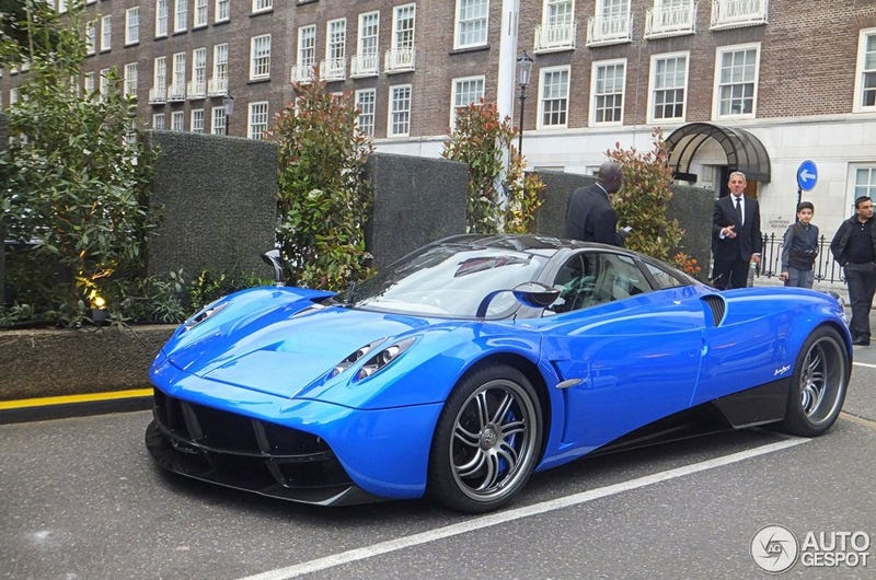 Illustration for article titled Beautiful Blue Pagani Huayra w/ Track Pack in London