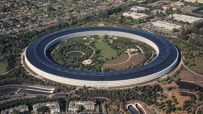 El Apple Park, la nueva sede de Apple, se encuentra en Cupertino, una ciudad del condado de Santa Clara