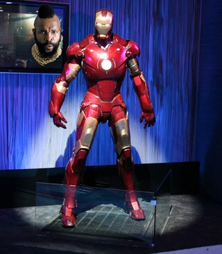 Illustration for article titled Life-Size Iron Man Guards LG Booth: Tony Stark Loves LG?