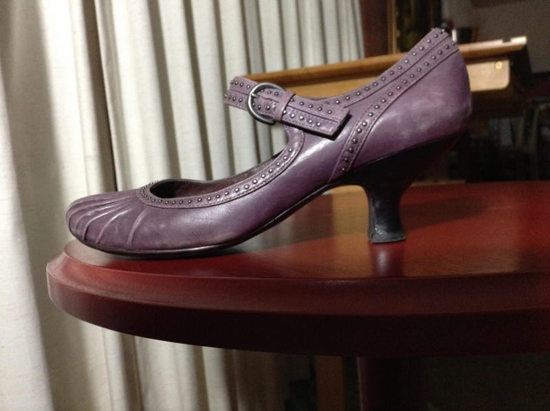 Illustration for article titled The purple heels in the Selfie thread are by...