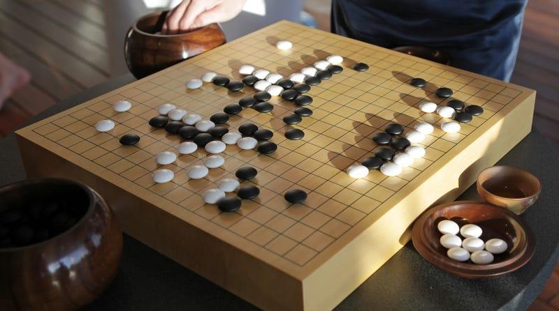 Illustration for article titled Resuelven uno de los grandes misterios del juego chino Go, 2500 años después de su creación
