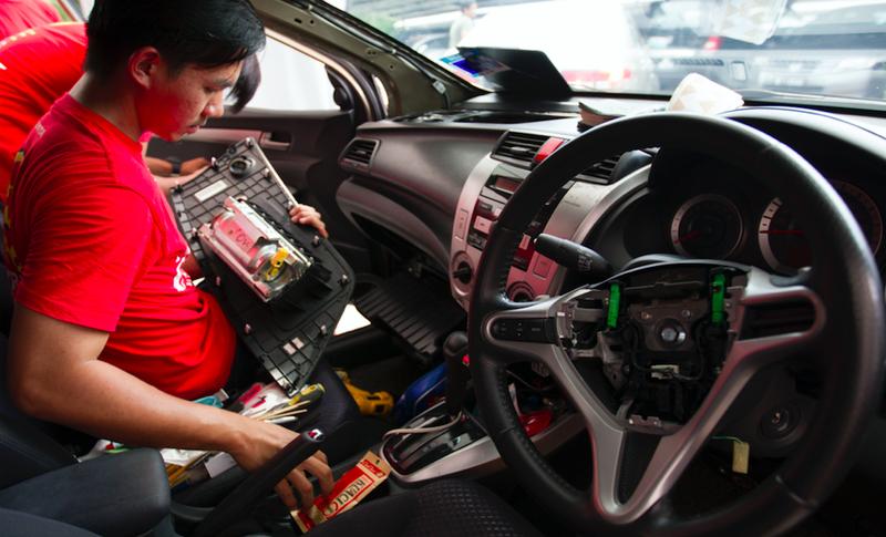 Takata air bag inflator ruptures during auto fix, killing man