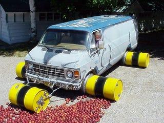 Illustration for article titled A V8 Dodge Van Is The Jalopnik Way To Make Apple Sauce