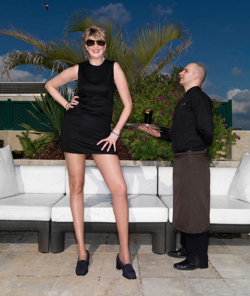 Illustration for article titled Virginia High School Basketball Coach Has World's Longest Legs