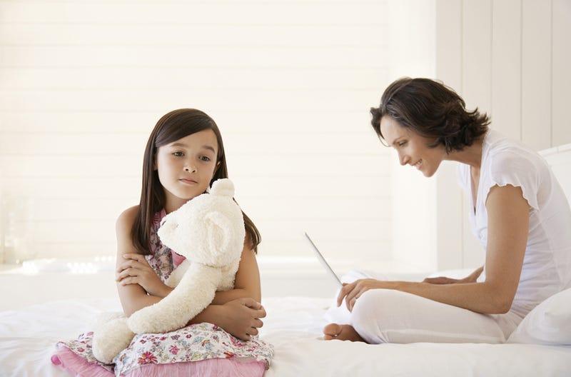 Illustration for article titled Niños suecos creen que sus padres pasan demasiado rato con el móvil