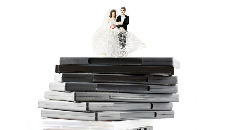 Illustration for article titled I Sold My Video Games To Pay For My Wedding, And Said Goodbye To Part Of Myself