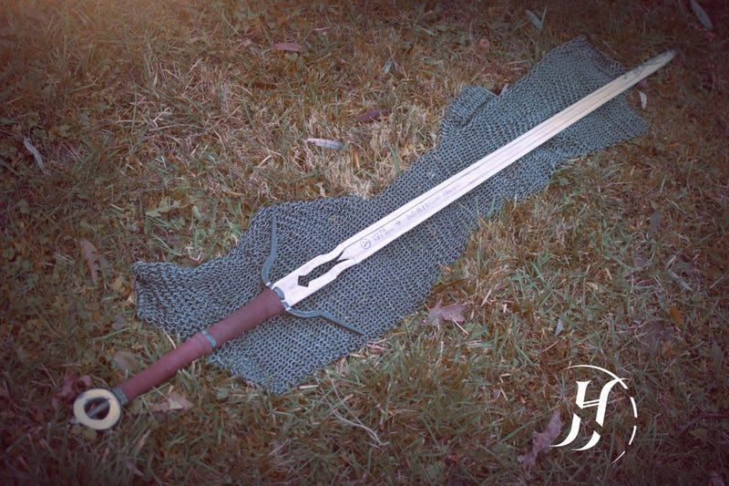 Illustration for article titled Ciri's Witcher 3 Sword, Forged In The Real World