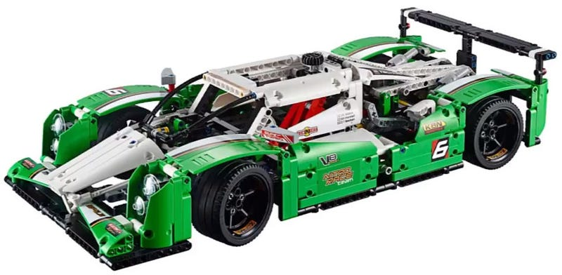 Illustration for article titled This review of the 2015 Lego Le Mans race car makes me want it even more