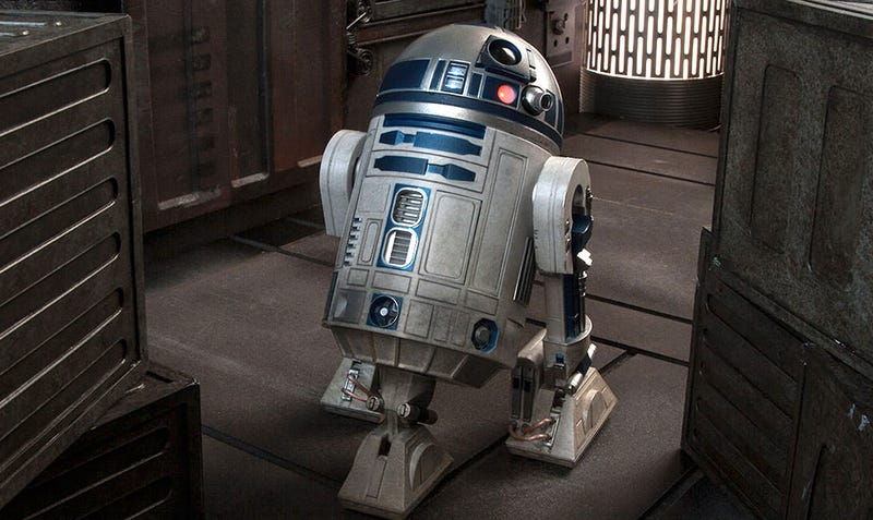 Illustration for article titled New Photos of Sideshow's R2-D2 Figure Will Make Every Jedi Jealous