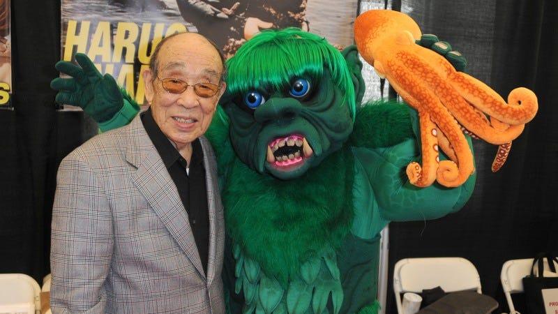 Nakajima greets at fan at the 2016 Monsterpalooza convention. (Photo: Albert L. Ortega / Getty Images)
