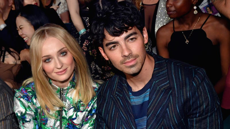 Illustration for article titled Sophie Turner and Joe Jonas tied the knot with Ring Pops, bless 'em