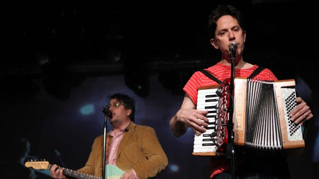 Get Involved, Internet: Help They Might Be Giants raise money for separated families and asylum-seeking minors