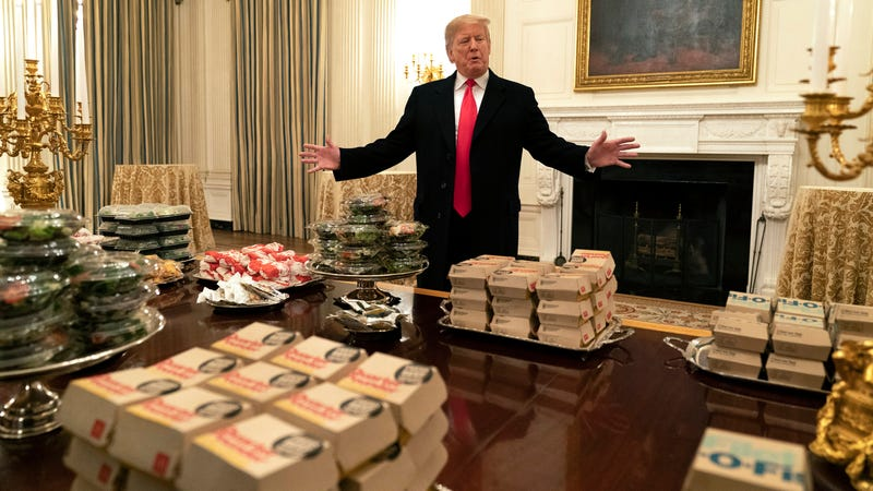 "Illustration for article titled Trump served 1,000 ""hamberders"" to national champion football team"