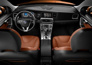 Illustration for article titled 2011 Volvo S60: Interior Press Photos