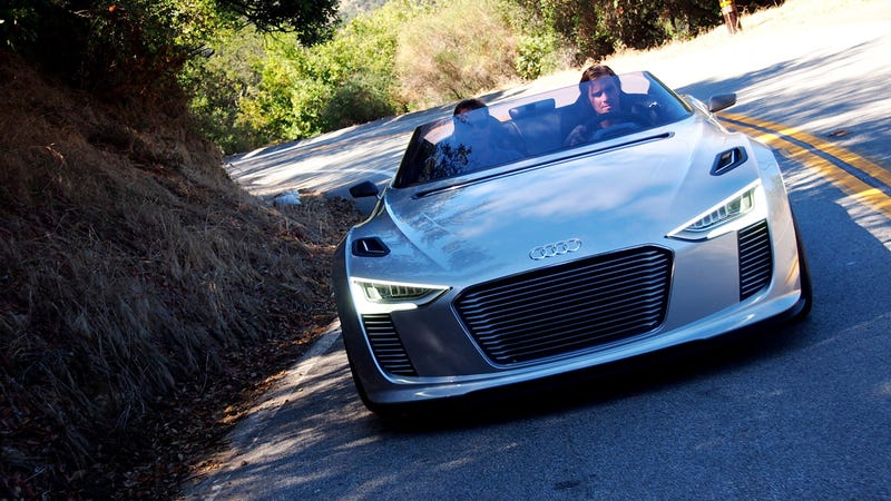 Illustration for article titled Audi e-Tron Spyder Gallery
