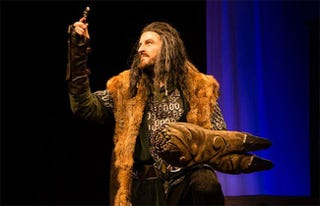 Illustration for article titled Not Sure If Actual Thorin Oakenshield Actor Or Cosplayer