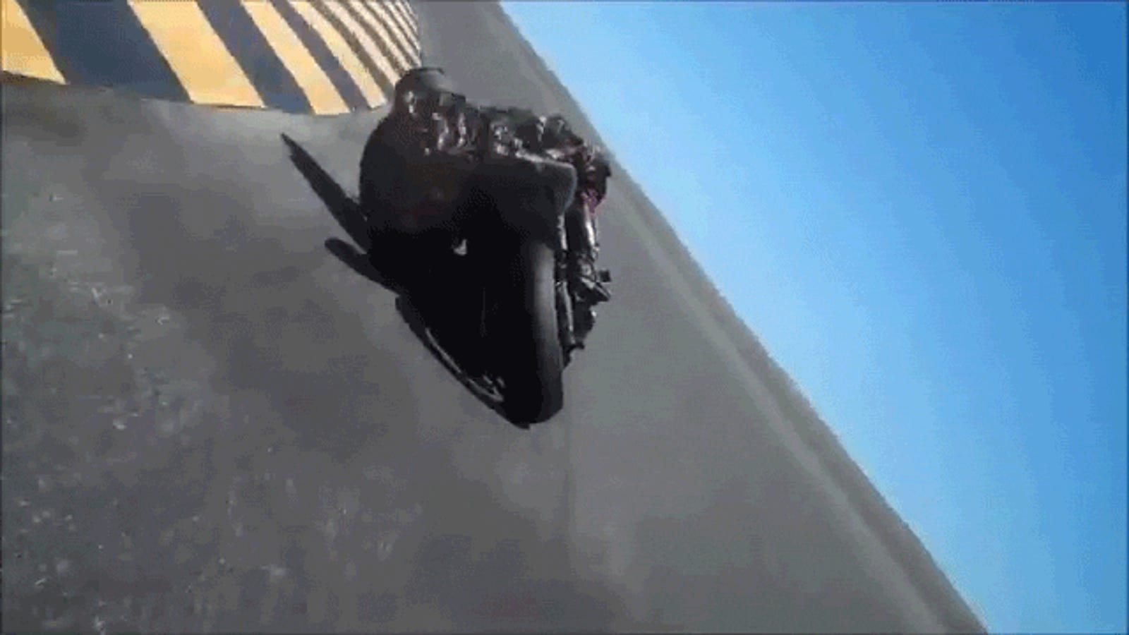 Psycho human dragged his head on the ground on a motorcycle turn