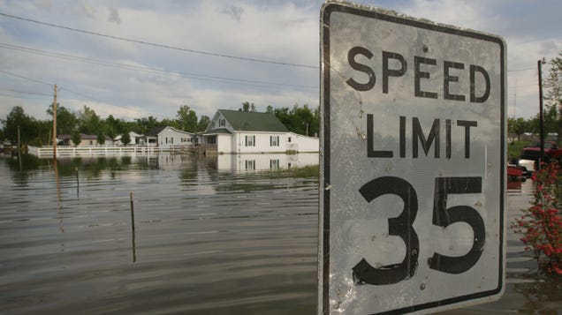 How to Prepare for (And Survive) a Flood