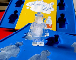 Illustration for article titled [GONE] I'm a sucker for Lego - even in ice-form. Just $5 for these COOL molds