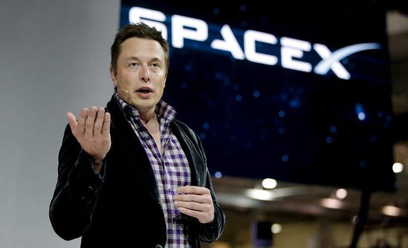 Elon Musk planea construir su propia red de Internet vía satélite