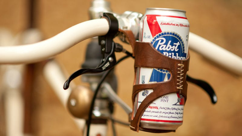 Illustration for article titled Handle Bar-Mounted Tallboys Are the Best Thing Since Fixed Gears