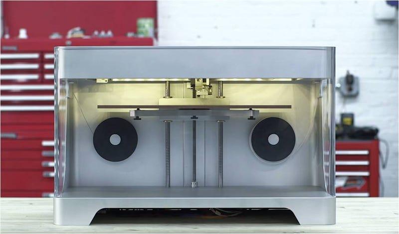 Illustration for article titled Llega la primera impresora 3D que imprime en fibra de carbono