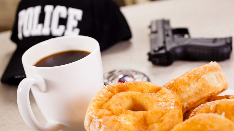 Illustration for article titled Man's attempt to bribe cops with Krispy Kreme doughnuts unsuccessful