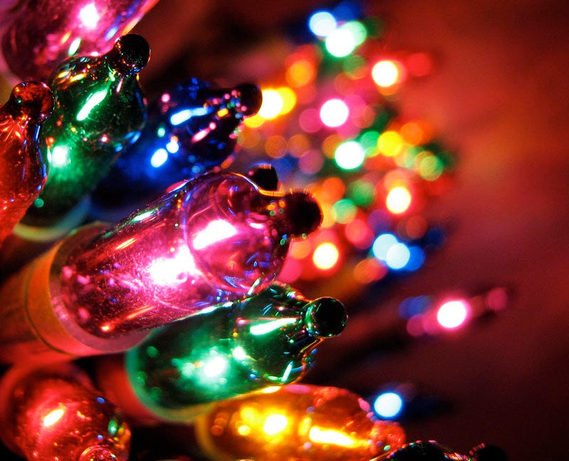 1st String Of Christmas Tree Lights Created By Thomas Edison : Christmas Lights, The Brief and Strangely Interesting History Of