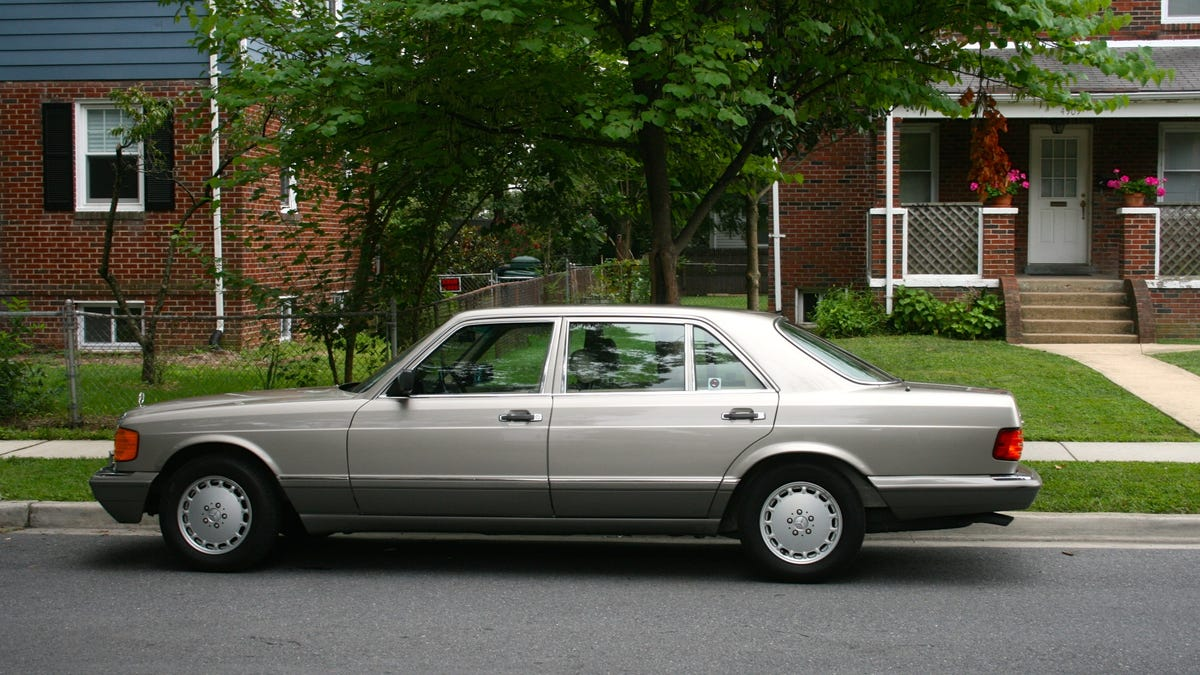 What It S Like To Drive Classic V8 Cruisers From Mercedes And Buick