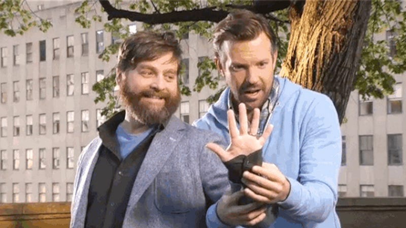 Illustration for article titled Zach Galifianakis Has Beautiful Nail Art in the New SNL Promos
