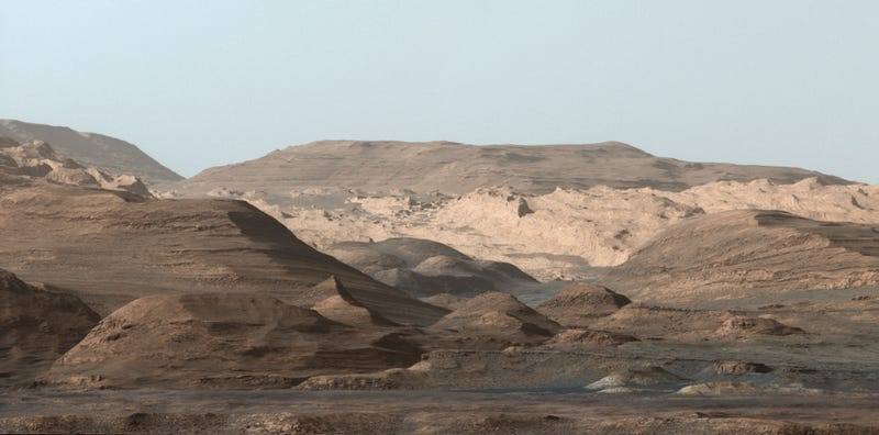 Illustration for article titled Stunning Photo Shows Where the Curiosity Rover is Headed Next on Mars