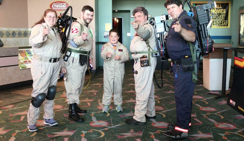 Braeden Rios, flanked by some Ghostbuster cosplayers, got the day of a lifetime. Image: For the Win